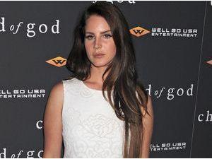 Lana Del Rey : elle annule son concert parisien pour la deuxième fois consécutive !
