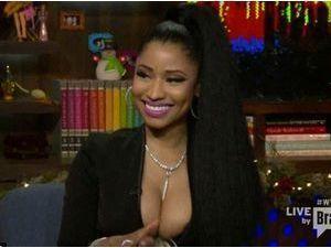 Nicki Minaj : après ses fesses, ses tétons débordent !