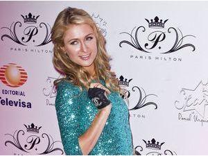 Paris Hilton : bye bye River Viiperi, elle roucoule dans les bras d'un autre mannequin !