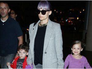Nicole Richie : en famille à l'aéroport, ils s'envolent direction Sydney pour rejoindre Joel Madden !