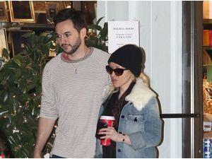 Très discrète depuis son accouchement, Christina Aguilera serait-elle complexée ?