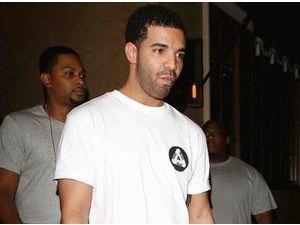Drake : Chris Brown est un menteur, Karrueche n'est même pas son genre !