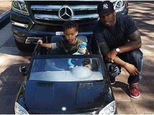 Photos : 50 Cent : pour les deux ans de son fils, il lui achète la même voiture que lui !