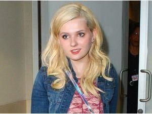 Photos : Abigail Breslin : après les festivités, la jeune actrice s'est envolée pour une destination inconnue !