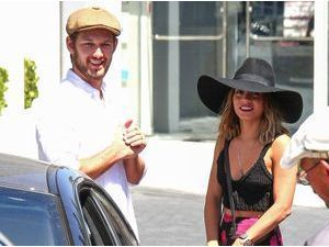 Photos : Alex Pettyfer et Vanessa Hudgens : rencontre inattendue à L.A. !
