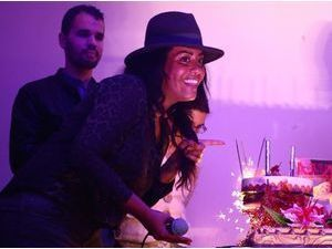 Photos : Amel Bent : 10 ans de carrière et de générosité, une artiste authentique célébrée !