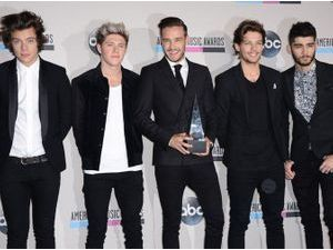 Photos : American Music Awards 2013 : One Direction : nouvelles consécrations qui tombent à pic avec la sortie de Midnight Memories !