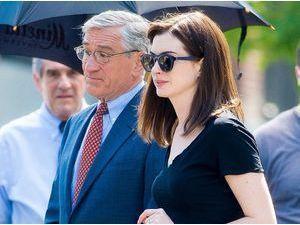 Photos : Anne Hathaway : le tournage de son nouveau film avec Robert de Niro se poursuit à New York !