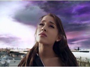 "Photos : Ariana Grande : scénario catastrophe dans le clip de ""One Last Time"" !"
