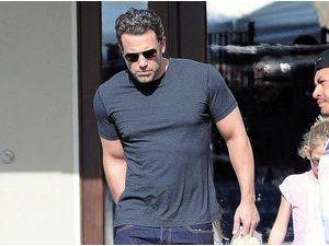 Photos : Ben Affleck : les séances de muscu commencent à payer !