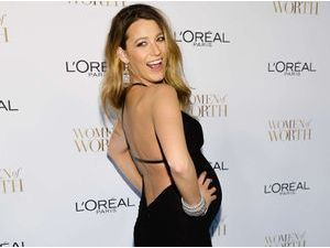Photos : Blake Lively : tapis rouge renversant pour la future maman !