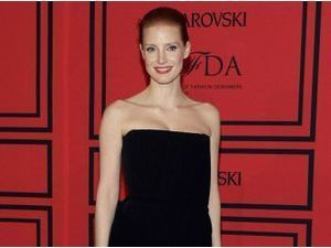 "Photos : CFDA Fashion Awards : Jessica Chastain : elle sublime comme personne sa ""little black dress"" !"