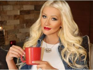 Photos : Christina Aguilera : elle continue à soutenir l'association World Hunger Relief qui lutte contre la malnutrition !