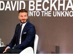 """Photos : David Beckham : au poil pour la promotion de son nouveau documentaire très """"Koh Lanta"""" à Londres !"""