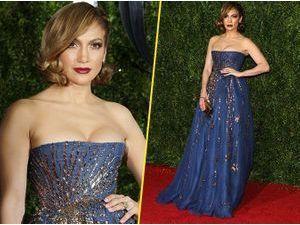 Photos : Jennifer Lopez : fini la provoc' et transparence, retour au glamour !