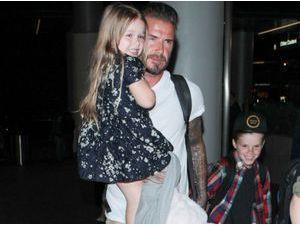 Photos : Harper Beckham : bien plus fan des paparazzi que son papa, elle lui vole la vedette !