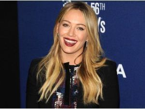 Photos : Hilary Duff : en mode happy face pour son premier tapis rouge depuis l'annonce de son divorce !