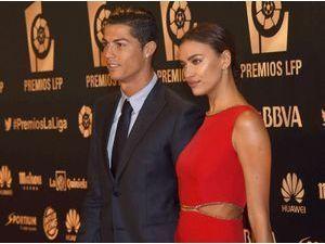 Photos : Irina Shayk et Cristiano Ronaldo : le couple se retrouve pour une rare apparition sur tapis rouge !