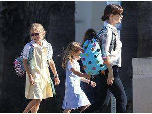 Photos : Jennifer Garner : maman surbookée, mais pas question de négliger ses filles !