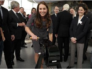 Photos : Kate Middleton : souriante et ravissante, elle prend les commandes !