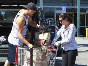 Photos : Lea Michele et Matthew Paetz : complices pour de nouvelles emplettes en tête-à-tête !