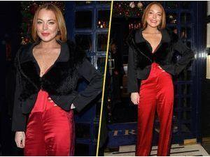 Photos : Lindsay Lohan : une Mère Noël sexy et glamour !