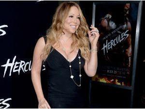 Photos : Mariah Carey : même en mini-robe moulante et gros décoletté, la diva ne fait pas le poids face à Irina Shayk !