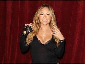 """Photos : Mariah Carey : sexy pour le lancement de sa première boisson, """"Butterfly"""" !"""