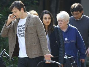 Photos : Mila Kunis : pas de gros carton au box-office mais une douce journée en famille !