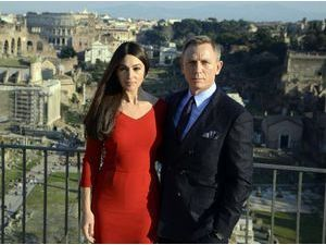 Photos : Monica Bellucci et Daniel Craig : une James Bond Girl radieuse aux côtés de son 007 !