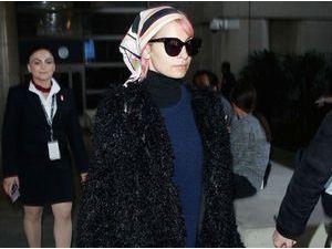Photos : Nicole Richie : look stylé et tête couverte pour rentrer de son voyage à Dubaï !