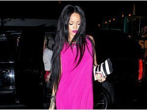 Photos : Rihanna : élégante en rose, on ne voit qu'elle à New York !