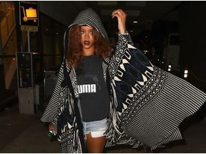 Photos : Rihanna : plus de bikini sexy mais un short ruiquiqui pour rentrer à Los Angeles !