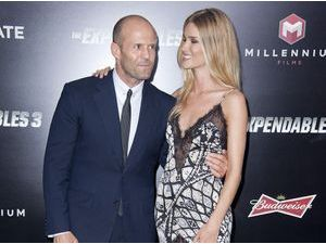 Photos : Rosie Huntington-Whiteley : principal atout charme de Jason Statham pour Expendables 3 !