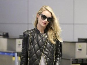 Photos : Rosie Huntington-Whiteley : retour en beauté très remarqué à Los Angeles !