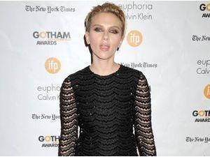 Photos : Scarlett Johansson : nouveau tapis rouge glamour mais aucun mot sur son mariage secret... !