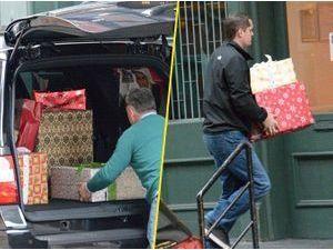Photos : Taylor Swift : une camionnette de cadeaux rien que pour elle!
