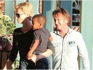 Sean Penn : il va adopter Jackson, le fils de Charlize Theron !