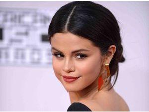 Selena Gomez : elle prépare une surprise à ses fans pour 2015 !