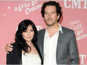 """Shannen Doherty : la star de """"Beverly Hills"""" et son mari songeraient à adopter !"""