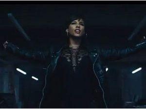 """Vidéo : Alicia Keys : elle s'allie à Pharrell Williams et Kendrick Lamar pour son clip spécial """"Spiderman 2"""" !"""