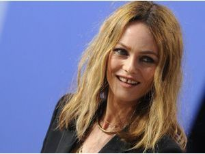 Photos : Cannes 2013 : Vanessa Paradis : éternelle lolita sur le plateau du Grand Journal !