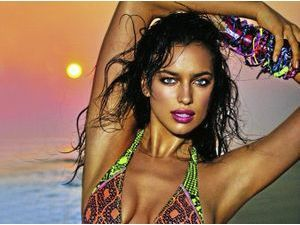 Irina Shayk : Son look jungle paradise !