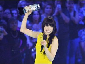 Photos : Carly Rae Jepsen : récompensée aux JUNO Awards !