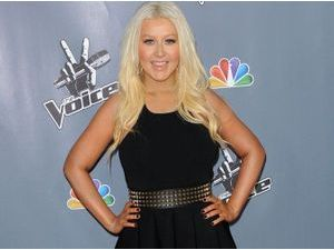 Photos : Christina Aguilera : en pleine forme(s) pour soutenir la saison 4 de The Voice US !