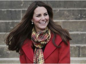 Photos : Kate Middleton : une future maman sublime qui met l'Ecosse à ses pieds !