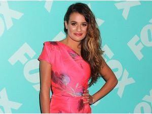 Photos : Lea Michele : pink lady à la crinière sauvage, naturellement sexy !