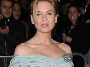 Photos : Renee Zellweger : sculpturale et fatale… Bridget Jones est bien loin !