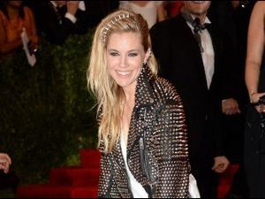 MET BALL 2013 : Sienna Miller : in or out son look de princesse punk ?