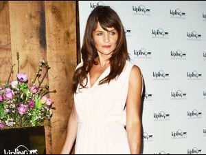 ​Mode : Helena Christensen lance sa collection de sac avec Kipling !
